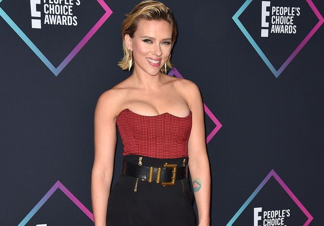 Scarlett Johansson, Victoria Beckham, Mila Kunis : le tapis rouge sexy des People's Choice Awards
