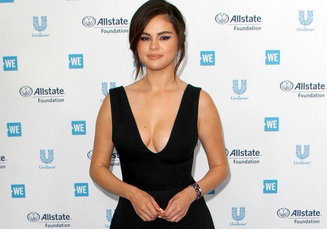 Selena Gomez : retour gagnant sur tapis rouge avec Sarah Michelle Gellar !