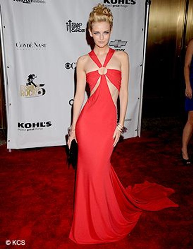 Peopel_tapis_rouge_fashion_rocks_Lydia_Hearst