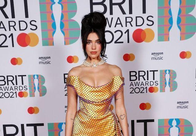 Taylor Swift, Dua Lipa, Harry Styles : les plus beaux looks des Brit Awards 2021
