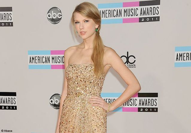 Taylor Swift et Heidi Klum rayonnantes aux American Music Awards