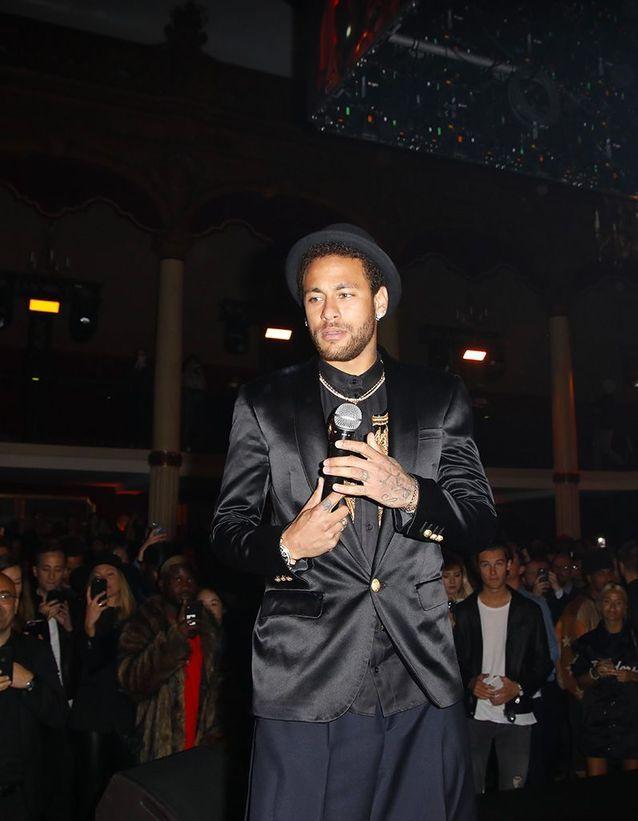 Neymar Jr sur scène