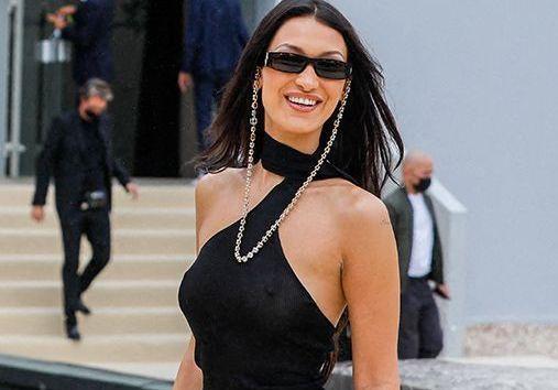 Bella Hadid, Travis Scott, Olivier Rousteing et Farida Khelfa élégants au défilé Dior homme