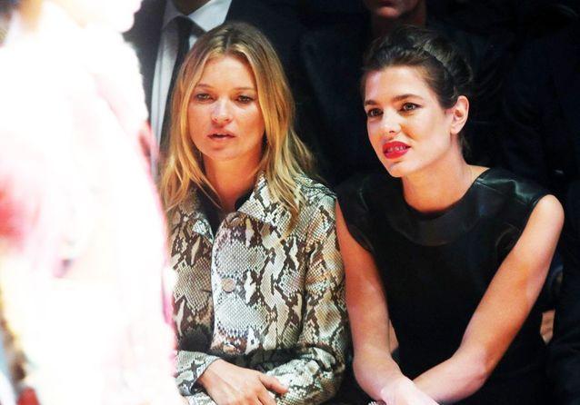 Charlotte Casiraghi et Kate Moss aux premiers rangs des défilés de la Fashion Week de Milan