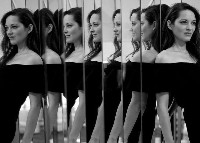 Portrait de famille  : Marion Cotillard et Vanessa Paradis dévoilent la collection Chanel Haute Couture