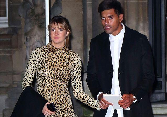 Shailene Woodley présente son petit ami lors du défilé Valentino