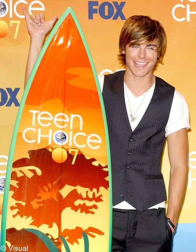 il reçoit le Teen Choice Award