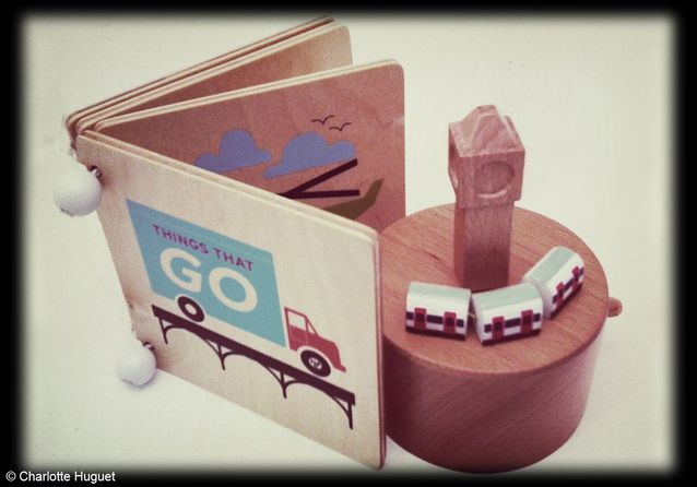 Boîte à musique carrousel « Métro Londonien » Muji