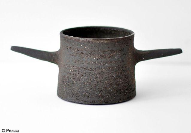 Pot en grès charbon Neest