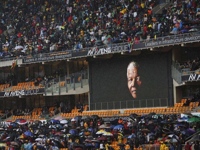 Les Sud-Africains rendent hommage à Nelson Mandela