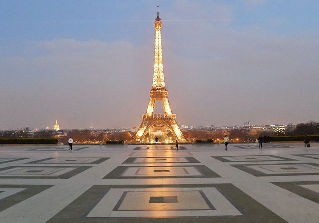 Coronavirus : les photos de Paris - presque - déserte