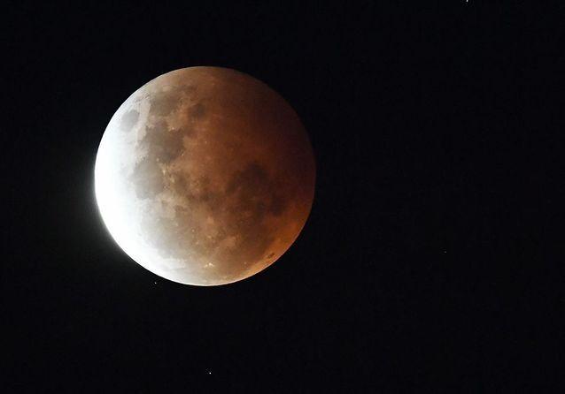 La « Super Lune » aperçue depuis Sydney, le 26 mai 2021.