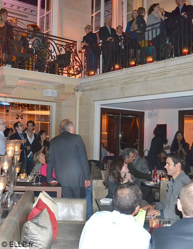 Soiree elections americaines a paris pershing hall ambiance exterieure