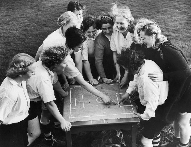 Mademoiselle Parr, capitaine du club de football féminin de Preston