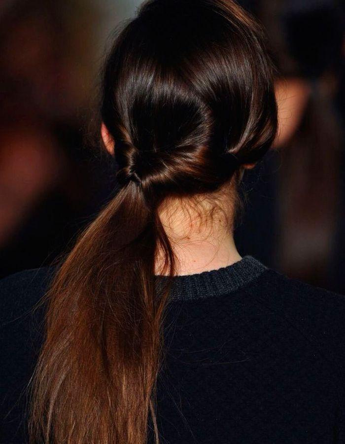 Coiffure simple cheveux longs