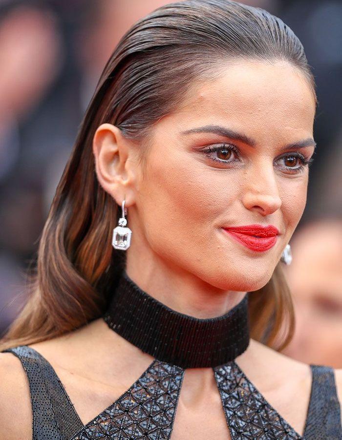 Les cheveux mouillés d'Izabel Goulart à Cannes
