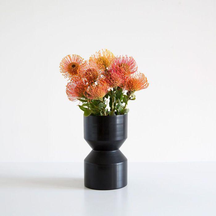 Vase Tri-Cut Noir par LLOT LLOV