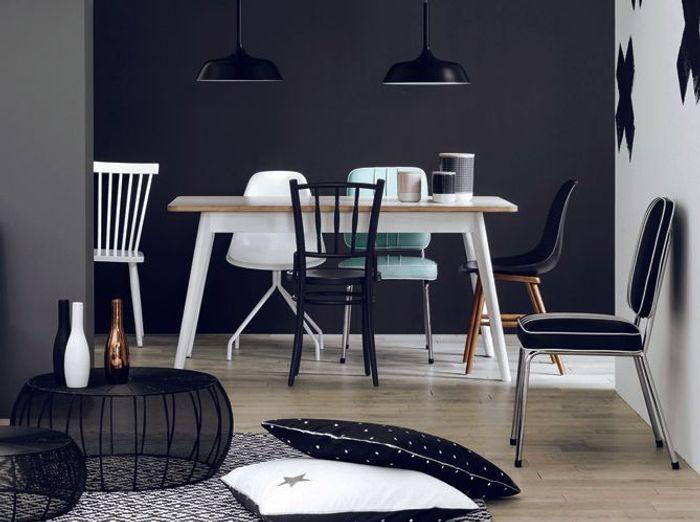 Un total look noir et blanc pour une salle à manger