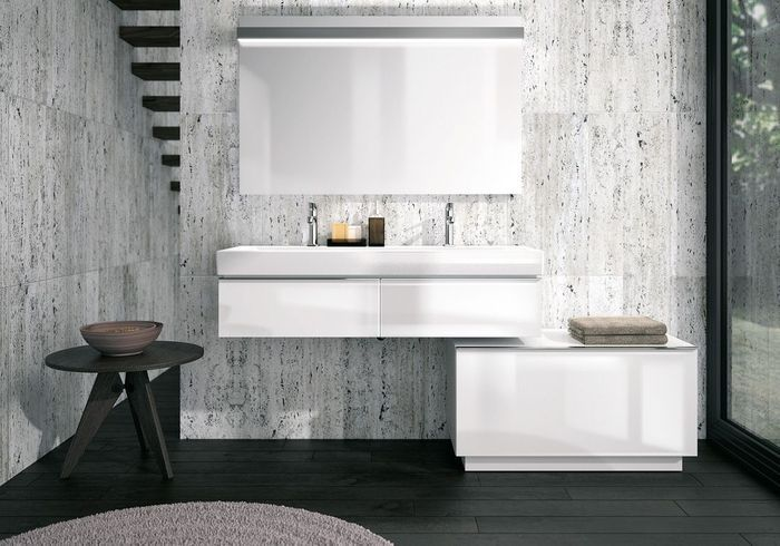Une salle de bains grise très contemporaine