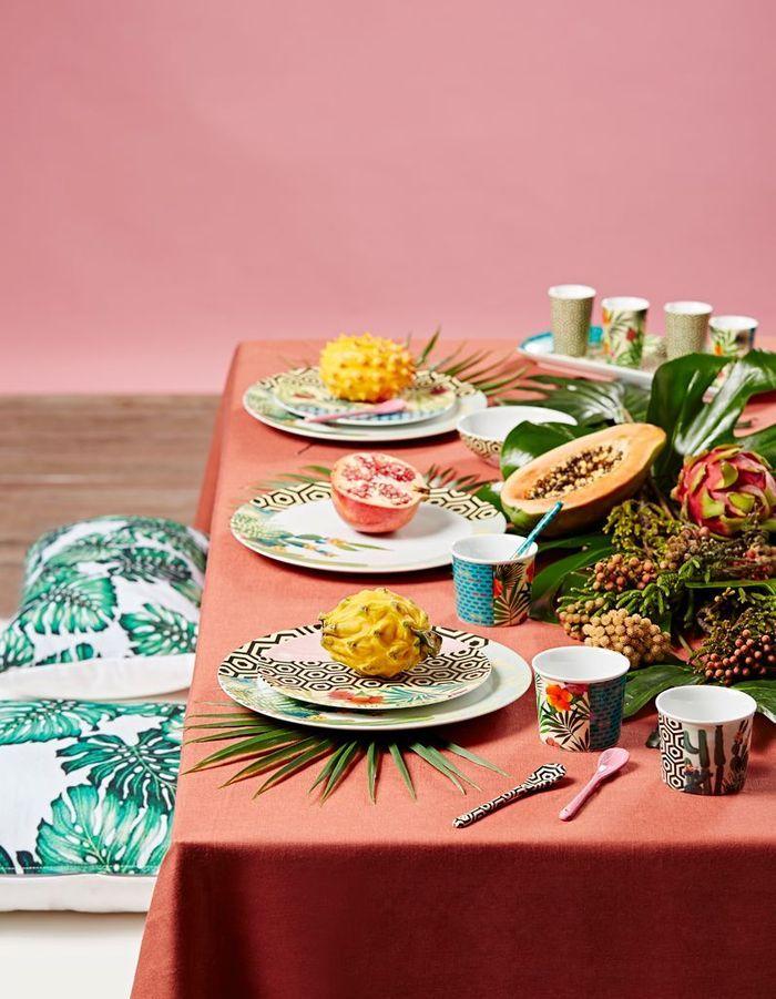 Une déco de table d'été exotique