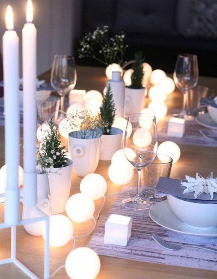 Décoration de table hiver : composez un chemin de table lumineux