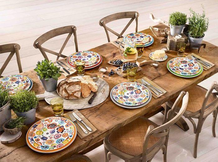 Multipliez les matériaux en bois sur votre table champêtre