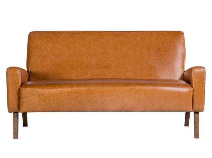 Un petit canapé en cuir