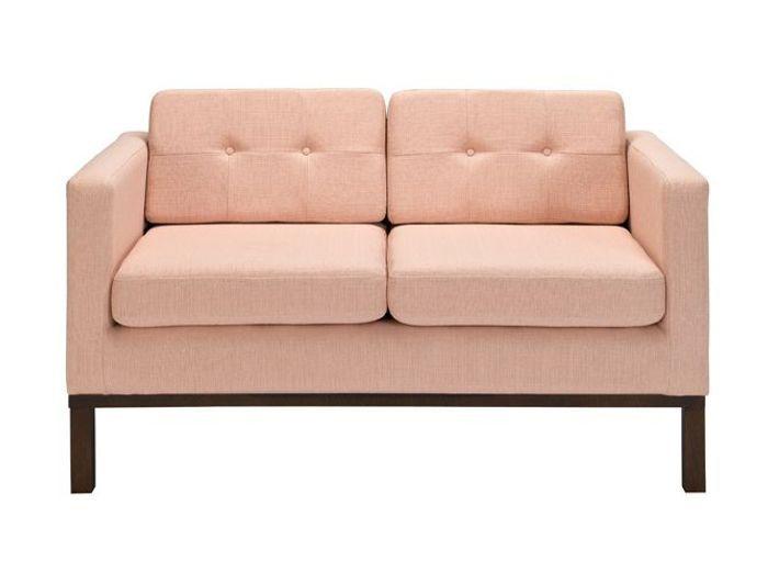 Un petit canapé molletonné