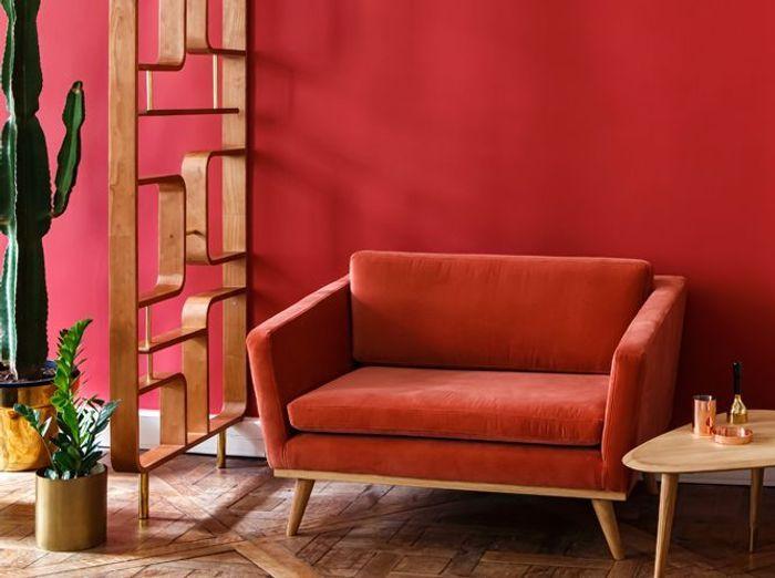 Un petit canapé vintage coloré