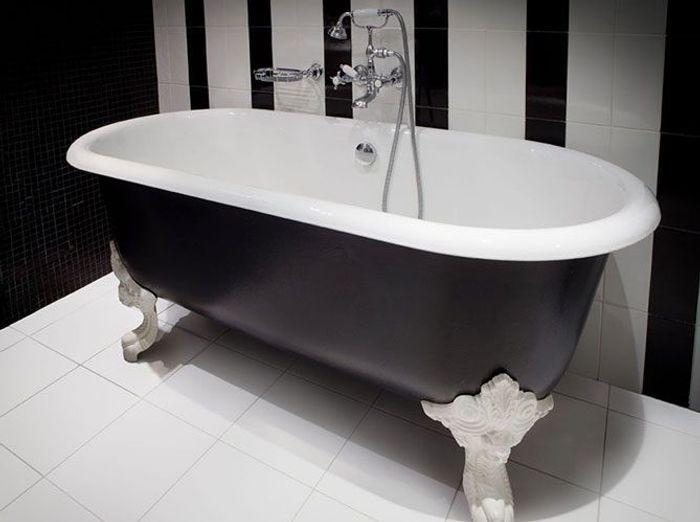 salle de bains r tro mettez vous dans le bain elle. Black Bedroom Furniture Sets. Home Design Ideas