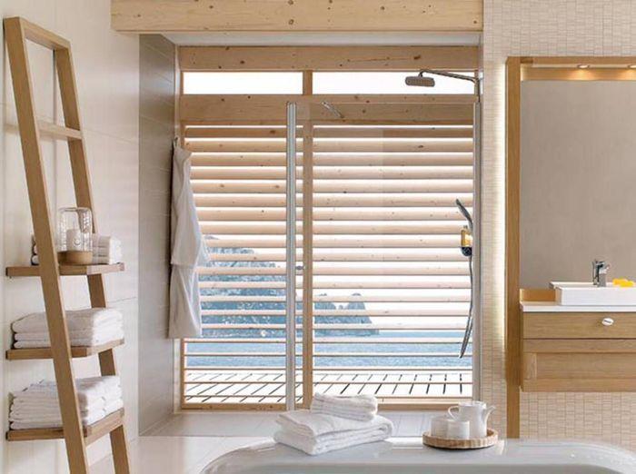 Salle de bains design en bois