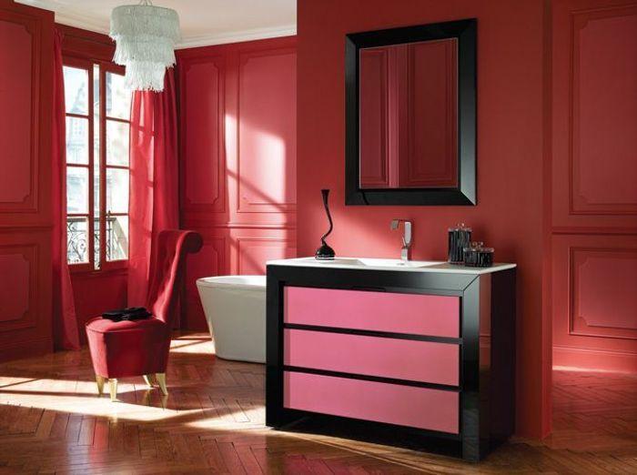 Salle de bains rouge decotec
