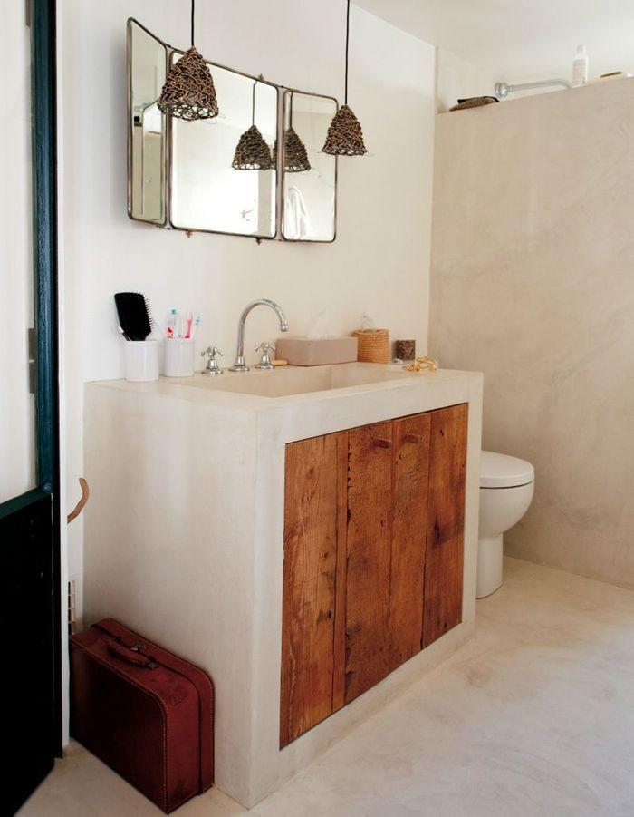 Un sol de salle de bains en béton ciré