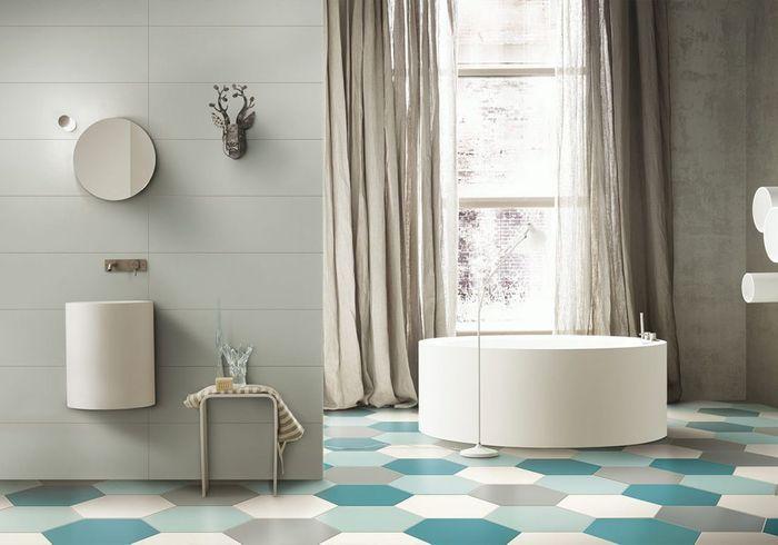 Un sol de salle de bains en camaïeu