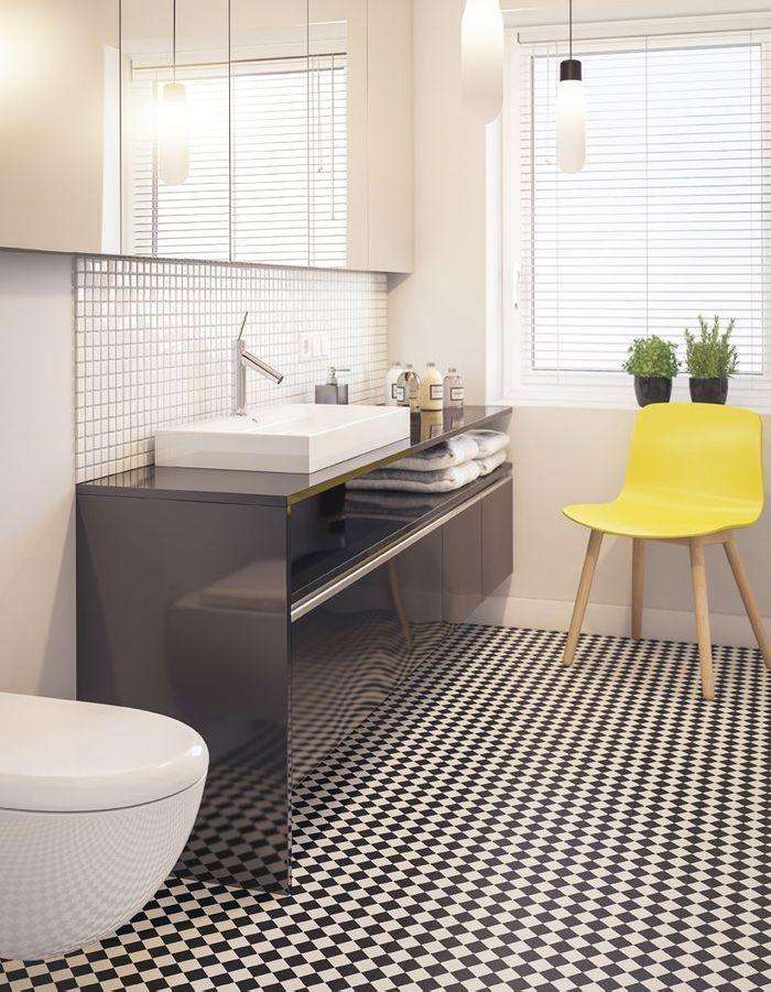 Un sol de salle de bains psychédélique