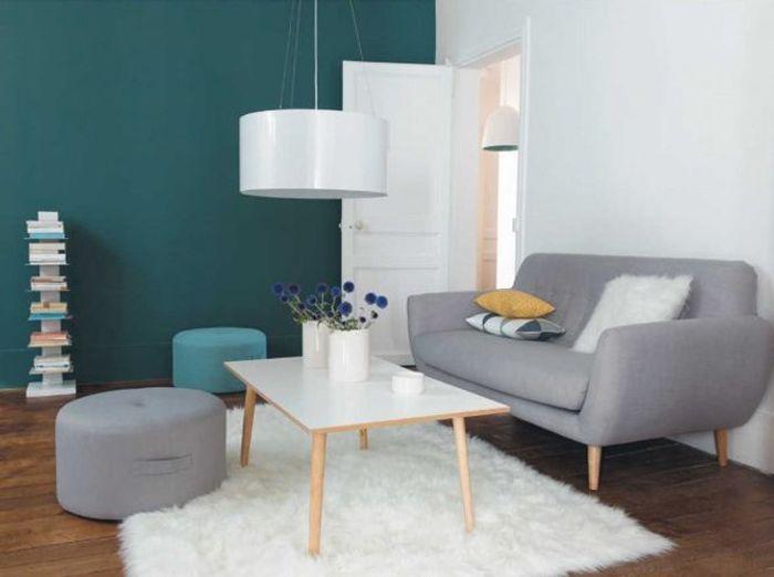 Gris et teintes douces pour un salon scandinave