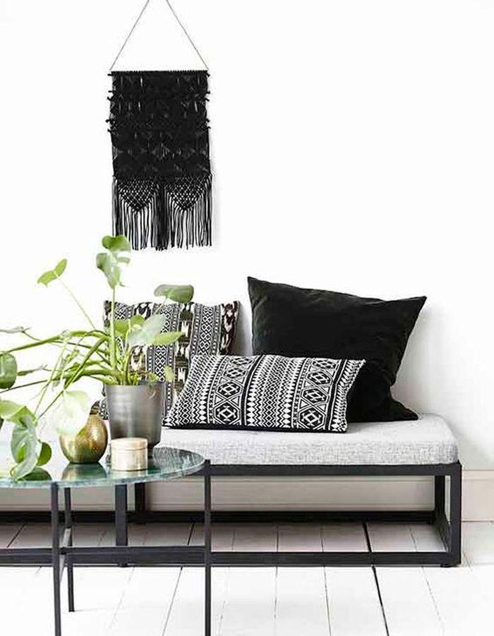 idee deco avec canape gris anthracite top dco salon gris super ides pleines de charme with idee. Black Bedroom Furniture Sets. Home Design Ideas