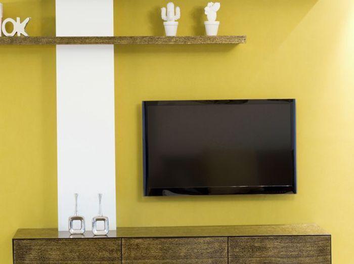 Une peinture jaune moutarde pour mon salon
