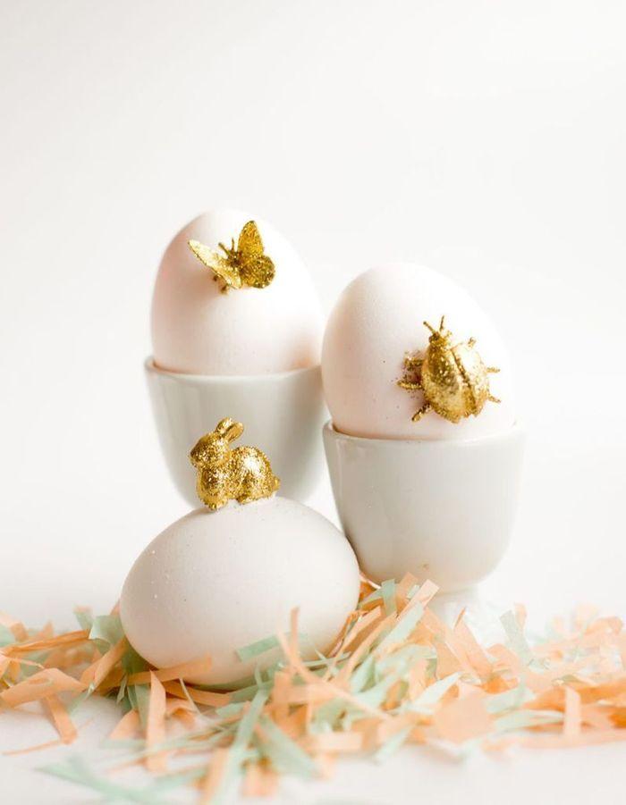 Une décoration d'œufs de Pâques poétique