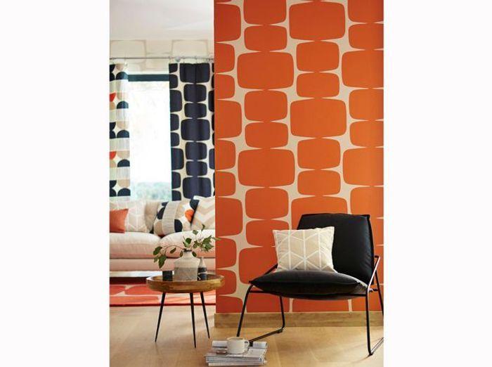 Un papier peint orange vintage