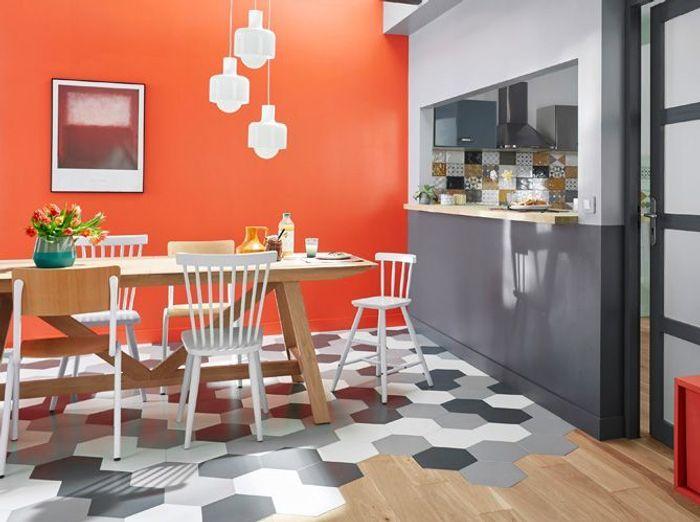Un sol mix&match pour la salle à manger