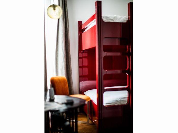 Lit superpose rouge vintage