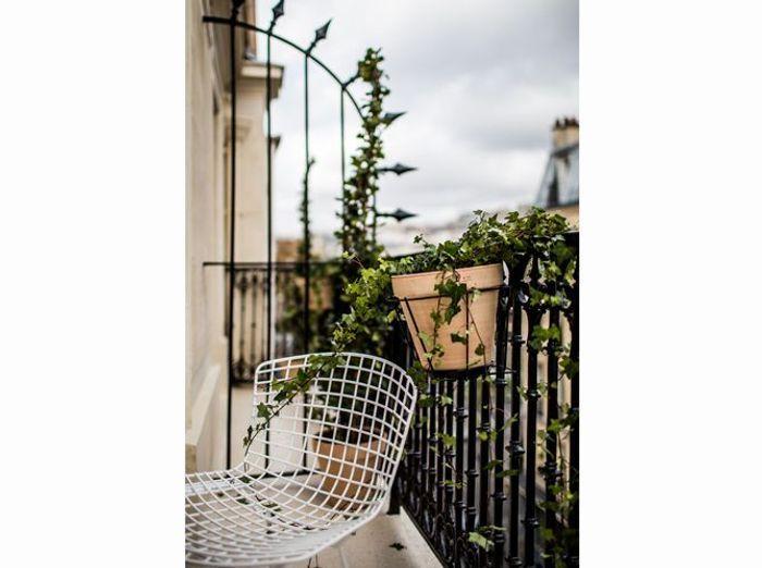 Chaise bertoia blanche outdoor