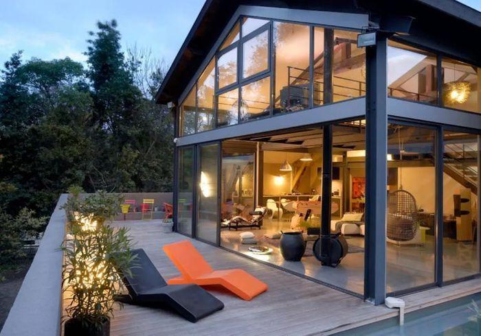 Loft 100% vitré avec piscine à Bordeaux