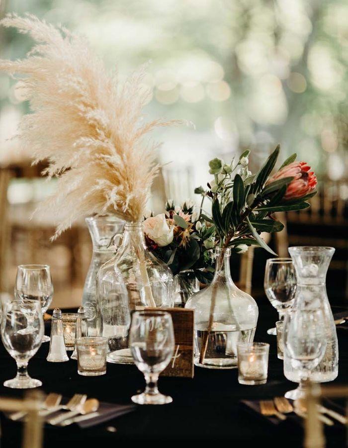 Adopter l'herbe de la pampa sur la table de mariage