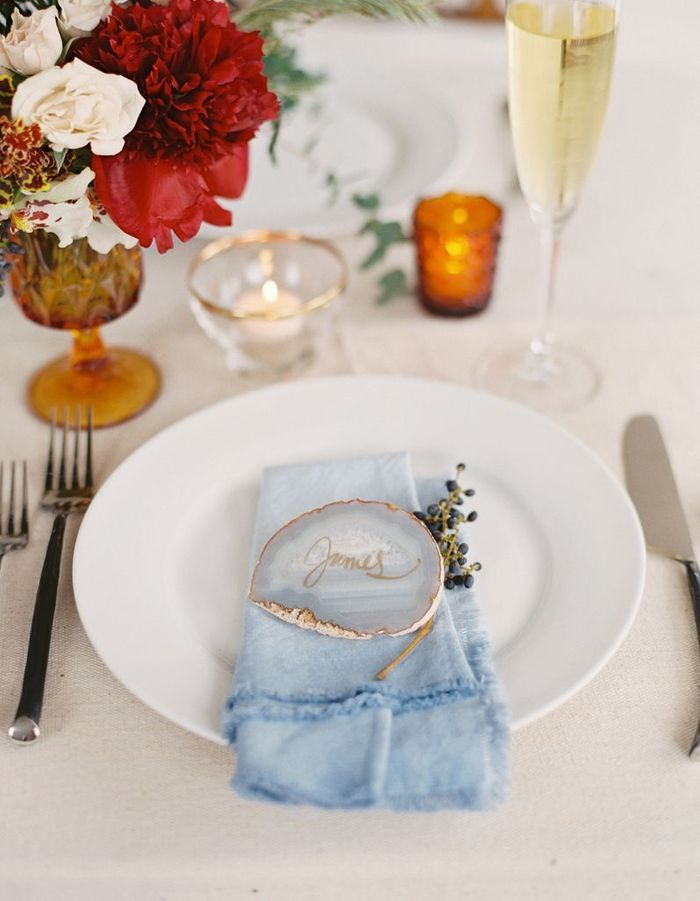 Fabriquer des porte-noms précieux pour la table de mariage