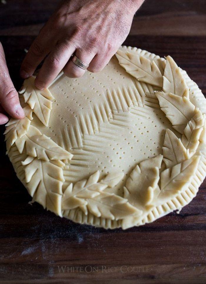 Décoration de tarte feuilles