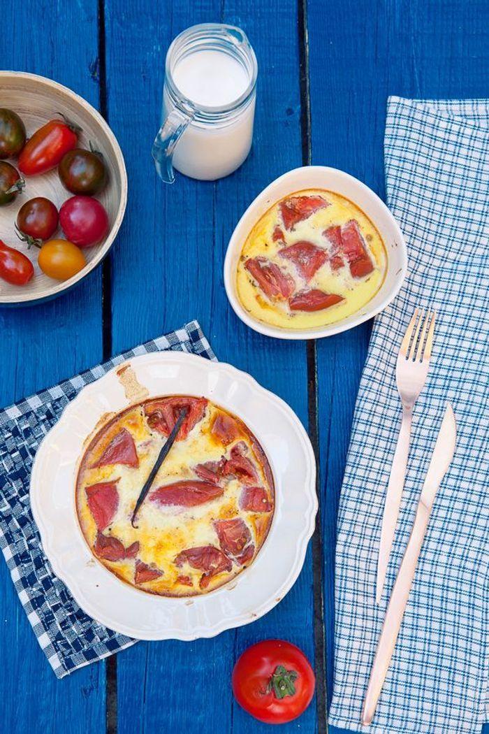 Clafoutis de tomates à la vanille et au lait de chèvre