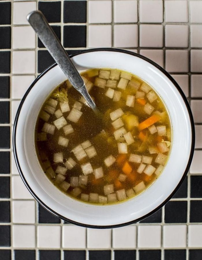 Bouillon de poule aux légumes
