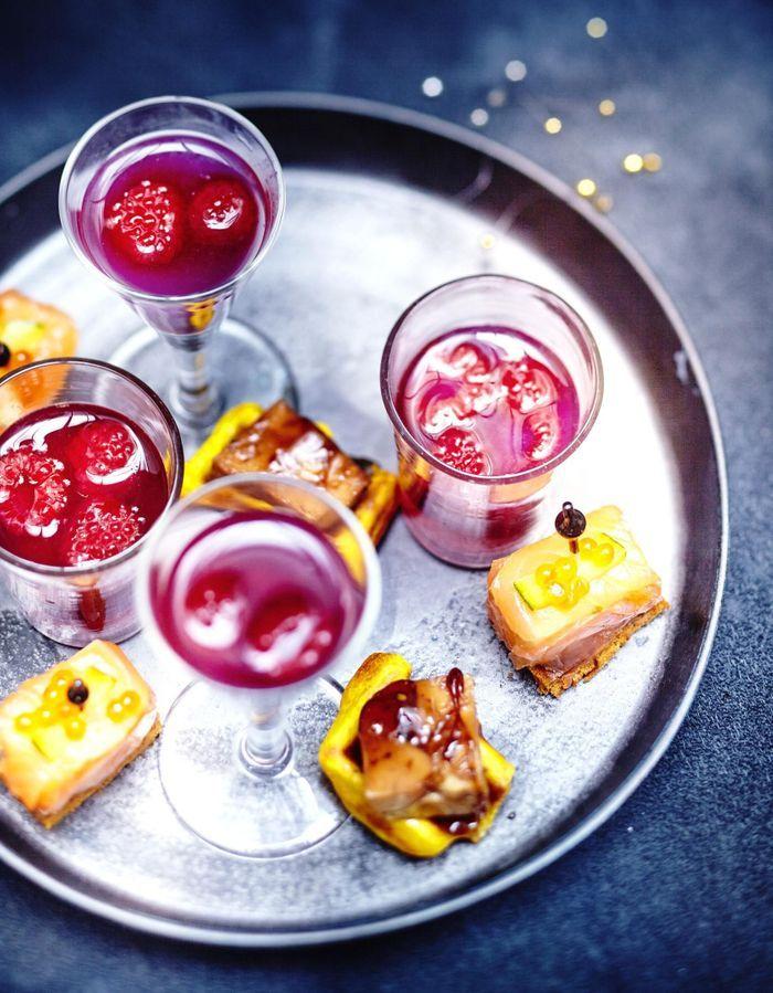 Cocktail cava-litchi-framboise